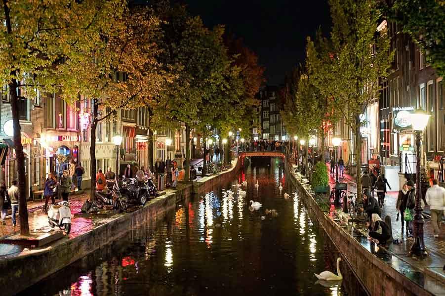 תעלה בלילה אמסטרדם