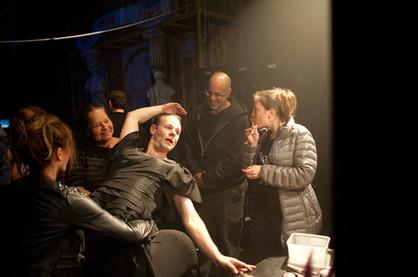 גיל וינברג  מאחורי הקלעים בתיאטרון הקאמרי בהצגות סיראנו וקברט צילום יקיר פולק