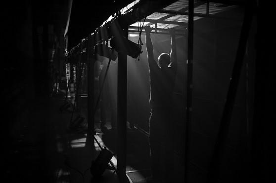 מאחורי הקלעים בתיאטרון הקאמרי בהצגות סיראנו וקברט צילום יקיר פולק