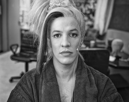 גלעד שמואלי מאחורי הקלעים בתיאטרון הקאמרי בהצגות סיראנו וקברט צילום יקיר פולק