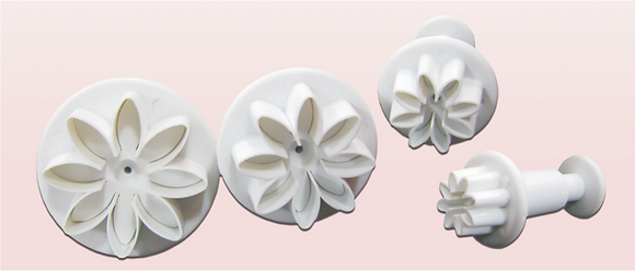 4-PC 8-PT Flower Plastic Cutter