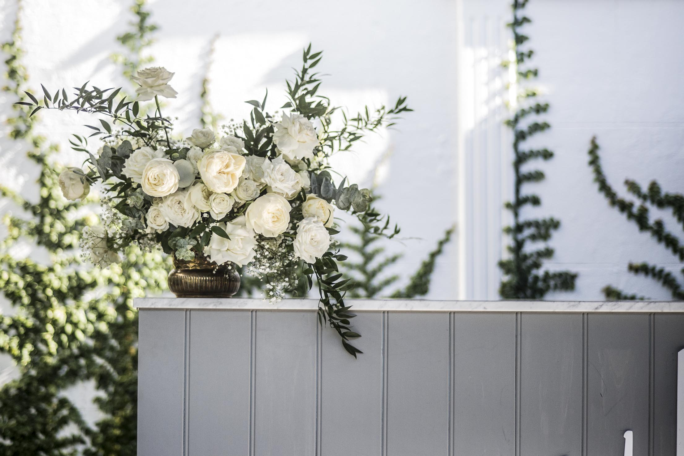 Cream & green fresh flower feature