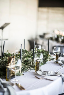 Gum & olive guest table garland