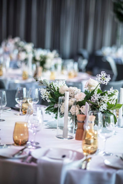 White & green table centrepiece