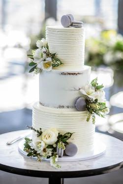 Spring creams & green cake flowers
