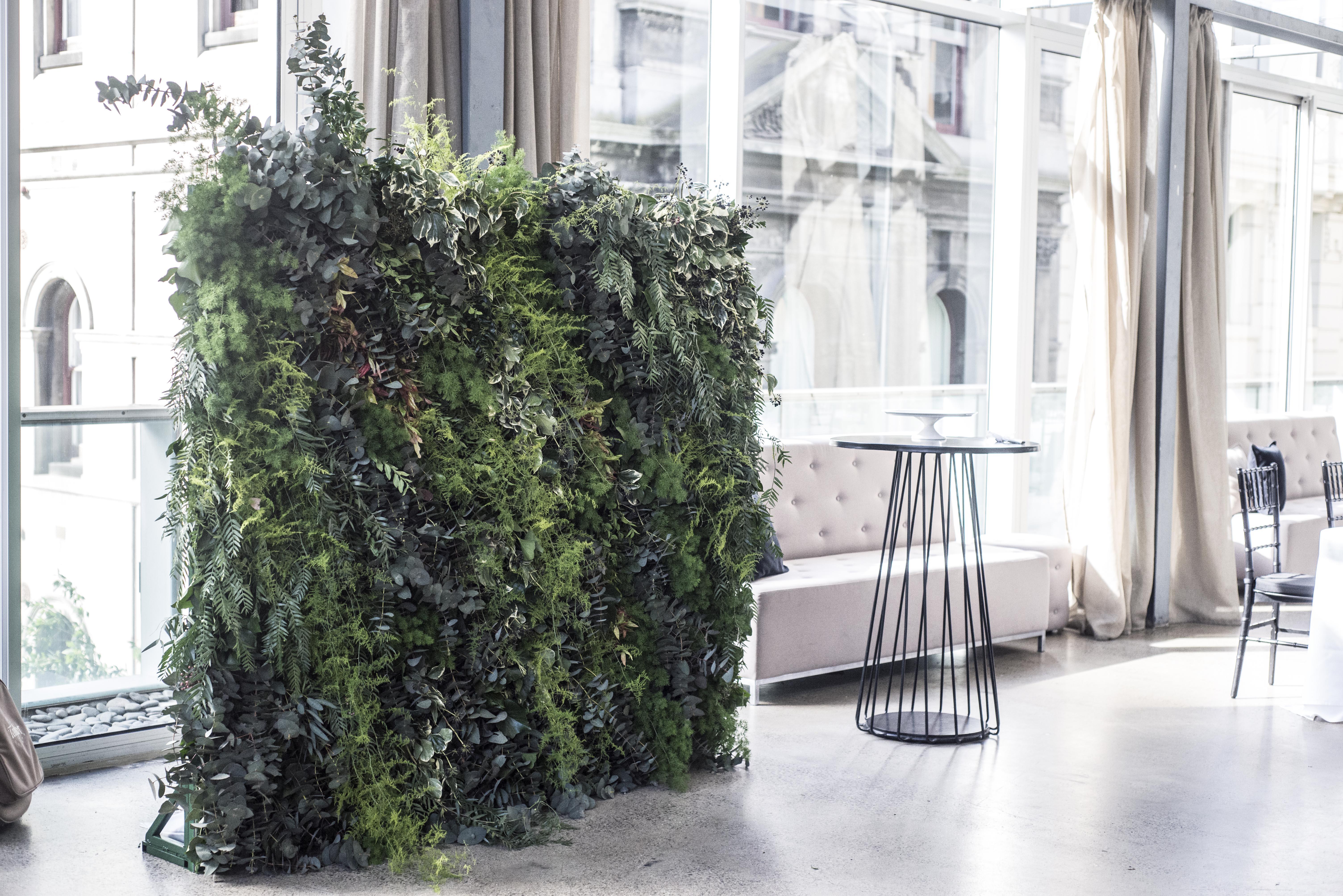 Wild fresh foliage wall