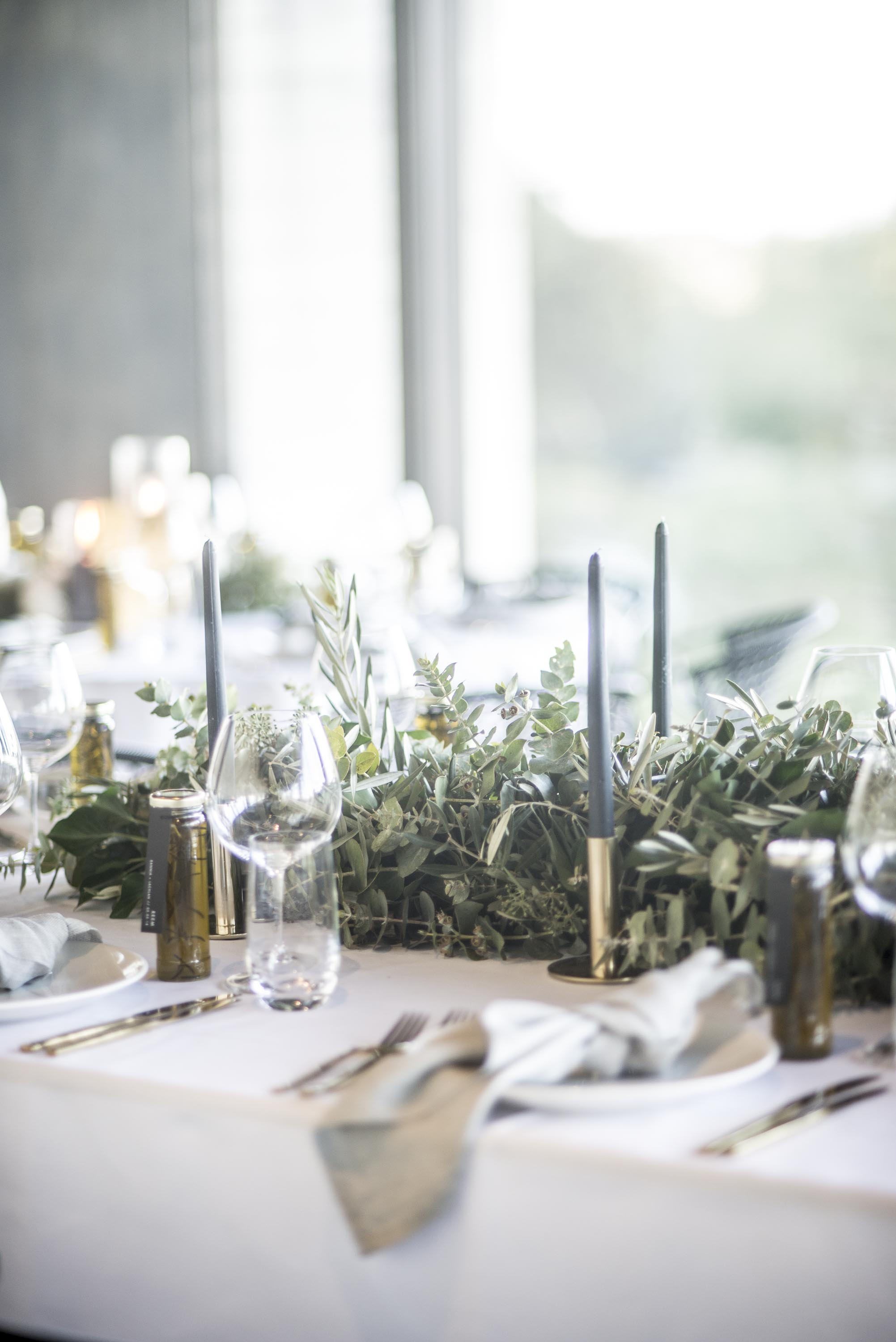 Foliage guest table garland