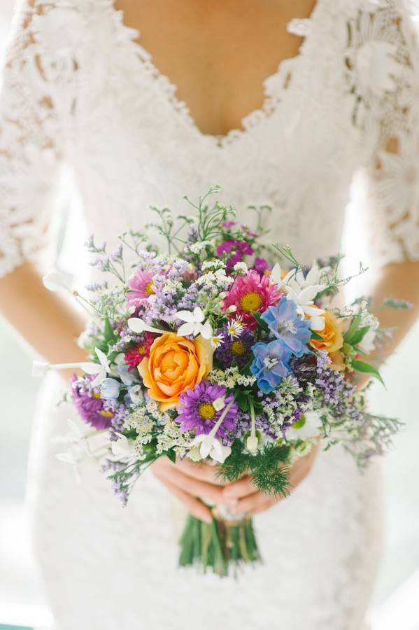 Loose garden style wedding bouquet