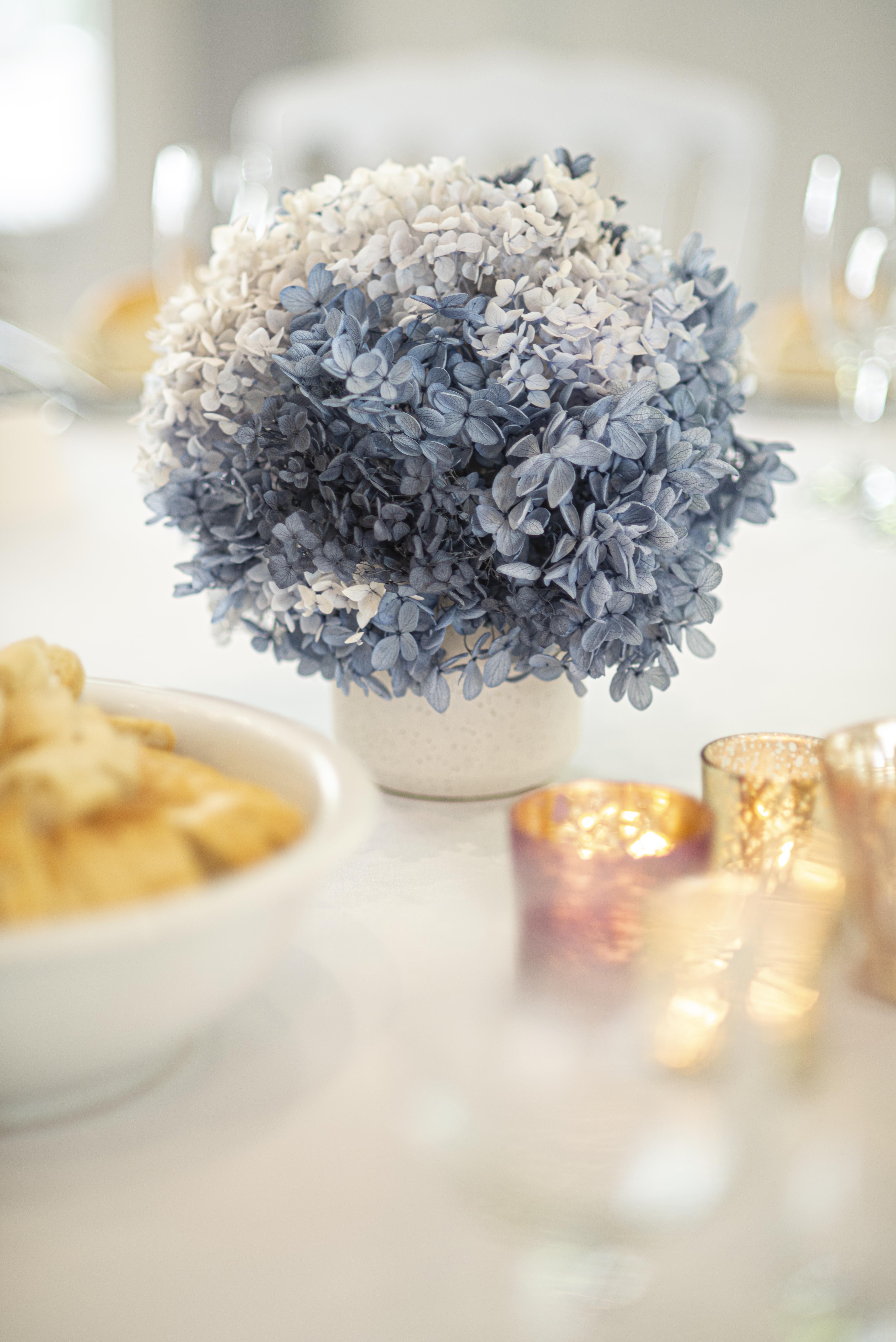 Preserved hydrangea blue centrepiece