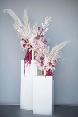 Wild & colourful micro wedding flower arrangements