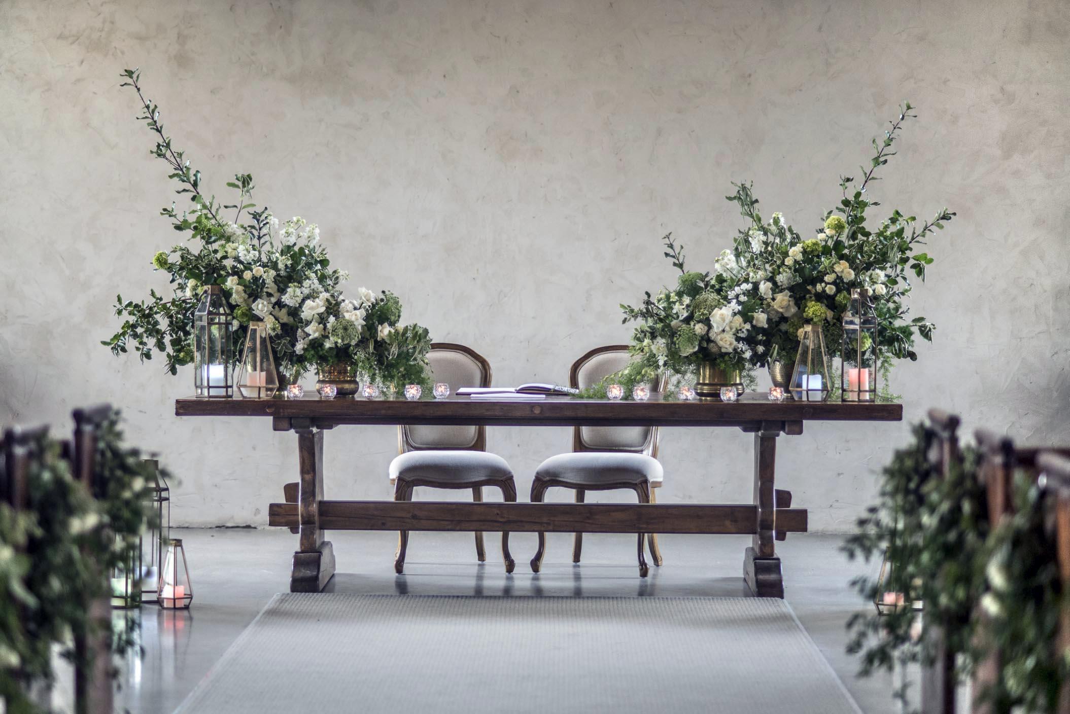 Ceremony flowers - The stones