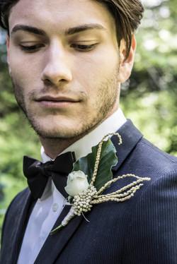 Groom Fresh floral buttoneer