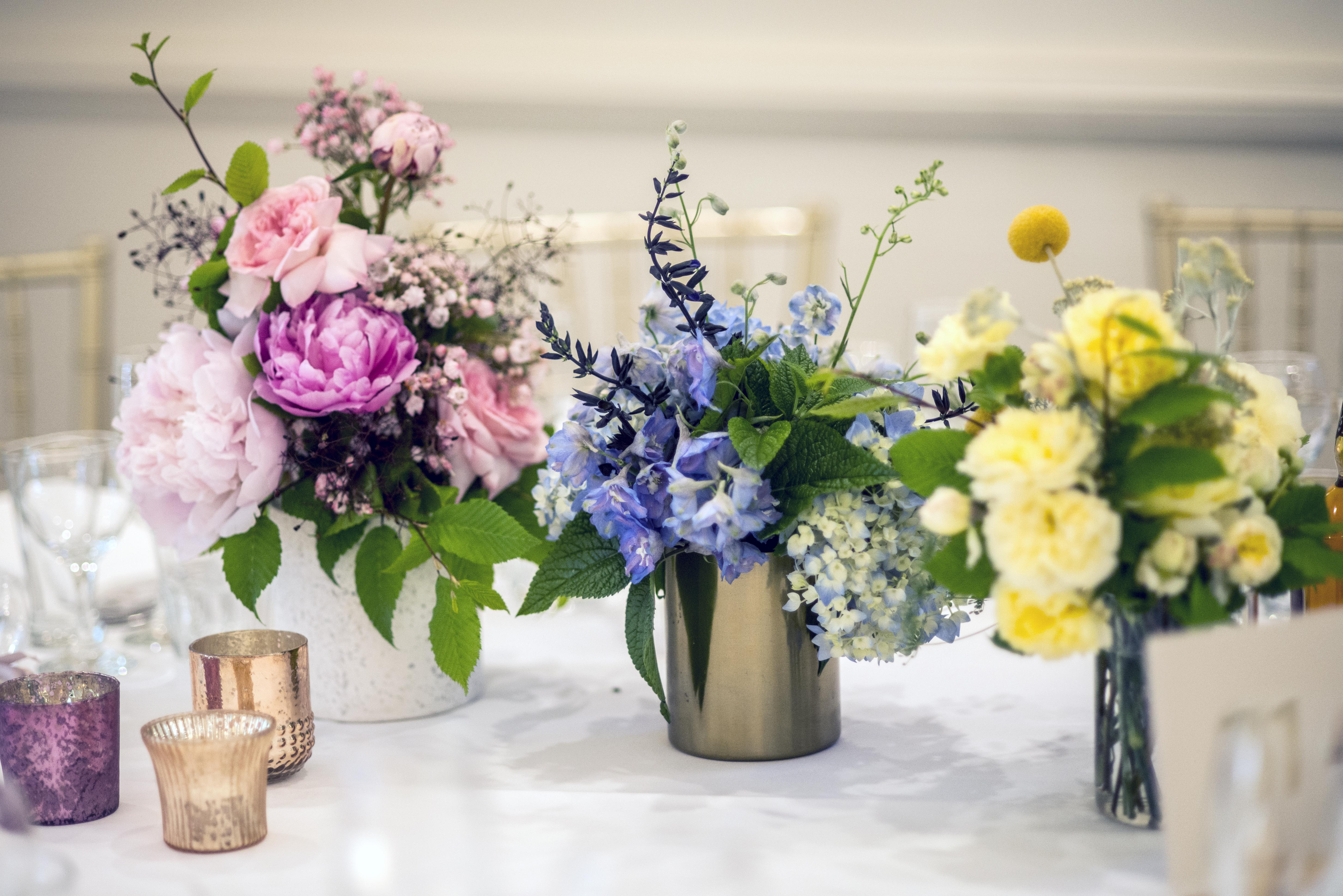 pastel toned trio of centrepieces