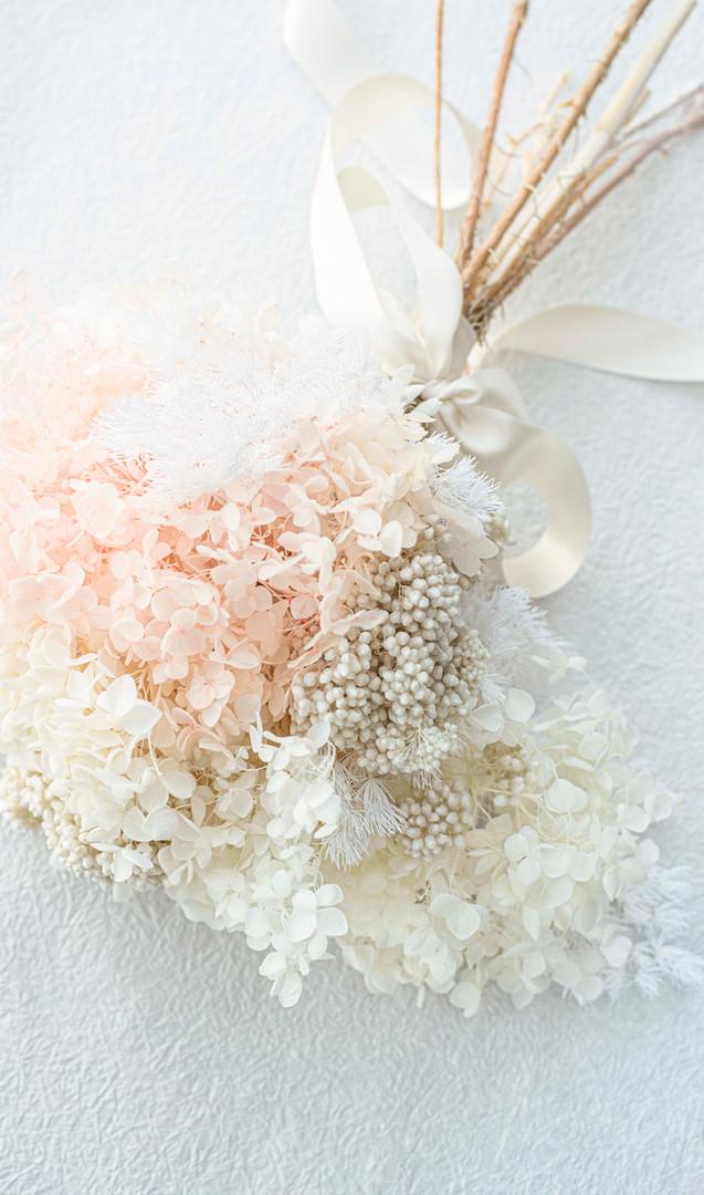 Dried micro set hydrangia bouquet