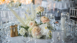 Nudes & creams guest table flowers