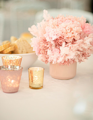 Table centrepeice in pink tones