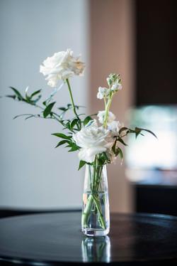 Bar table flowers
