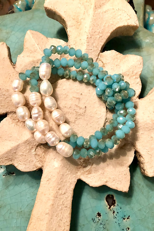 Czech Glass and Freshwater pearl bracelet
