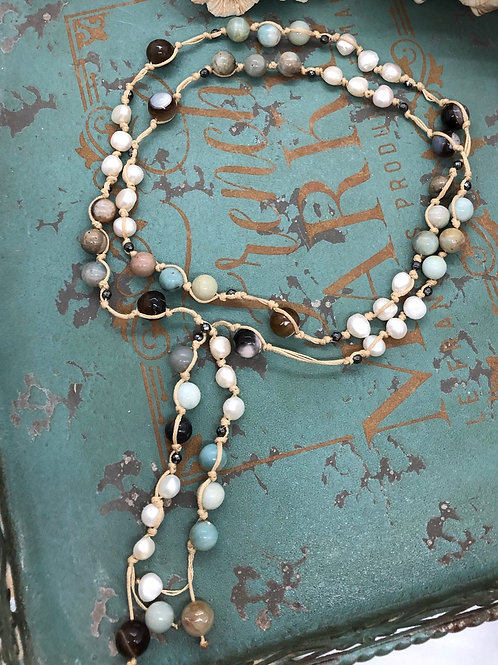Gems and Pearls Lariat necklace