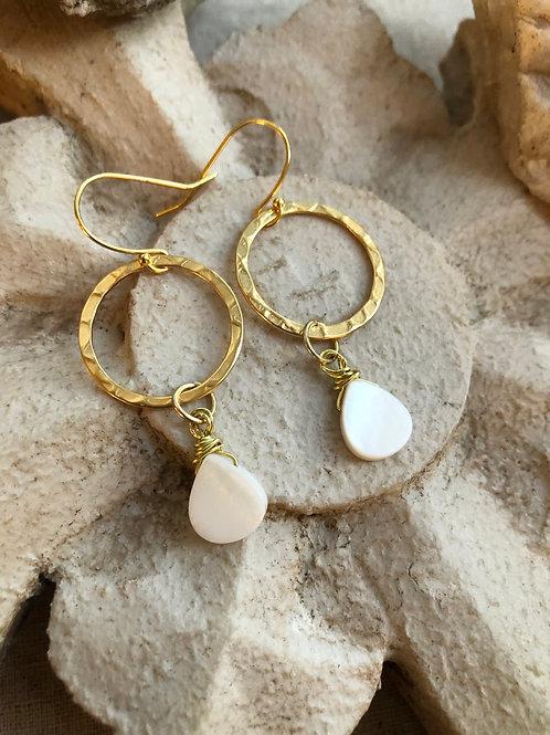 Teardrops of gold earrings