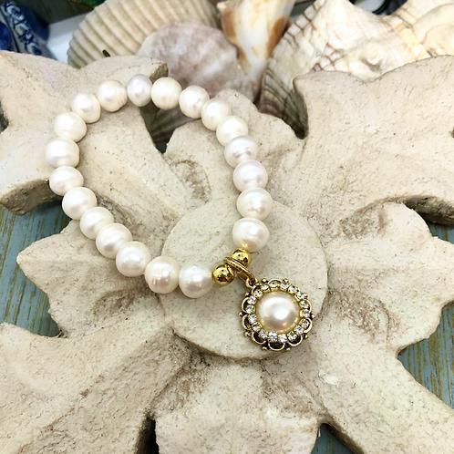 Charming Pearls Bracelet