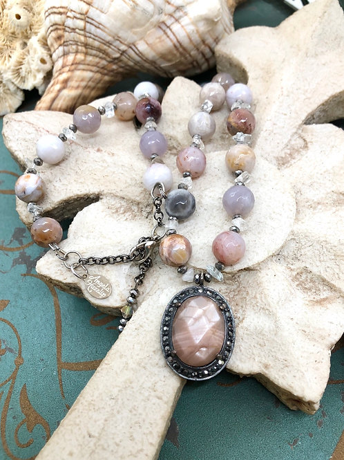 Fancy Lace Agate & Quartz necklace