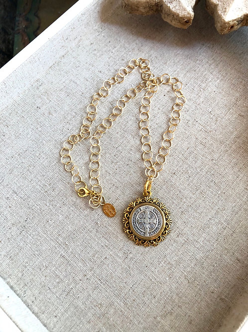 Gold Benito Elegance necklace