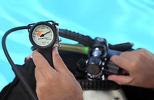 Scuba equipment check - Air on