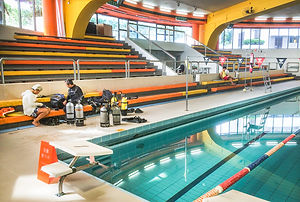 Swimming pool session at Chi Fu