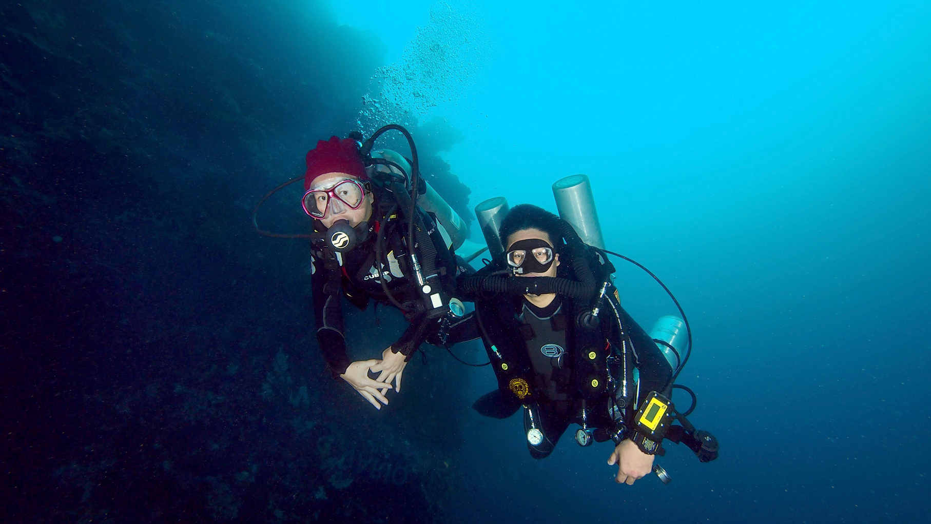 Open Water diver and CCR diver