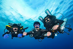 Technical divers with three different configurations