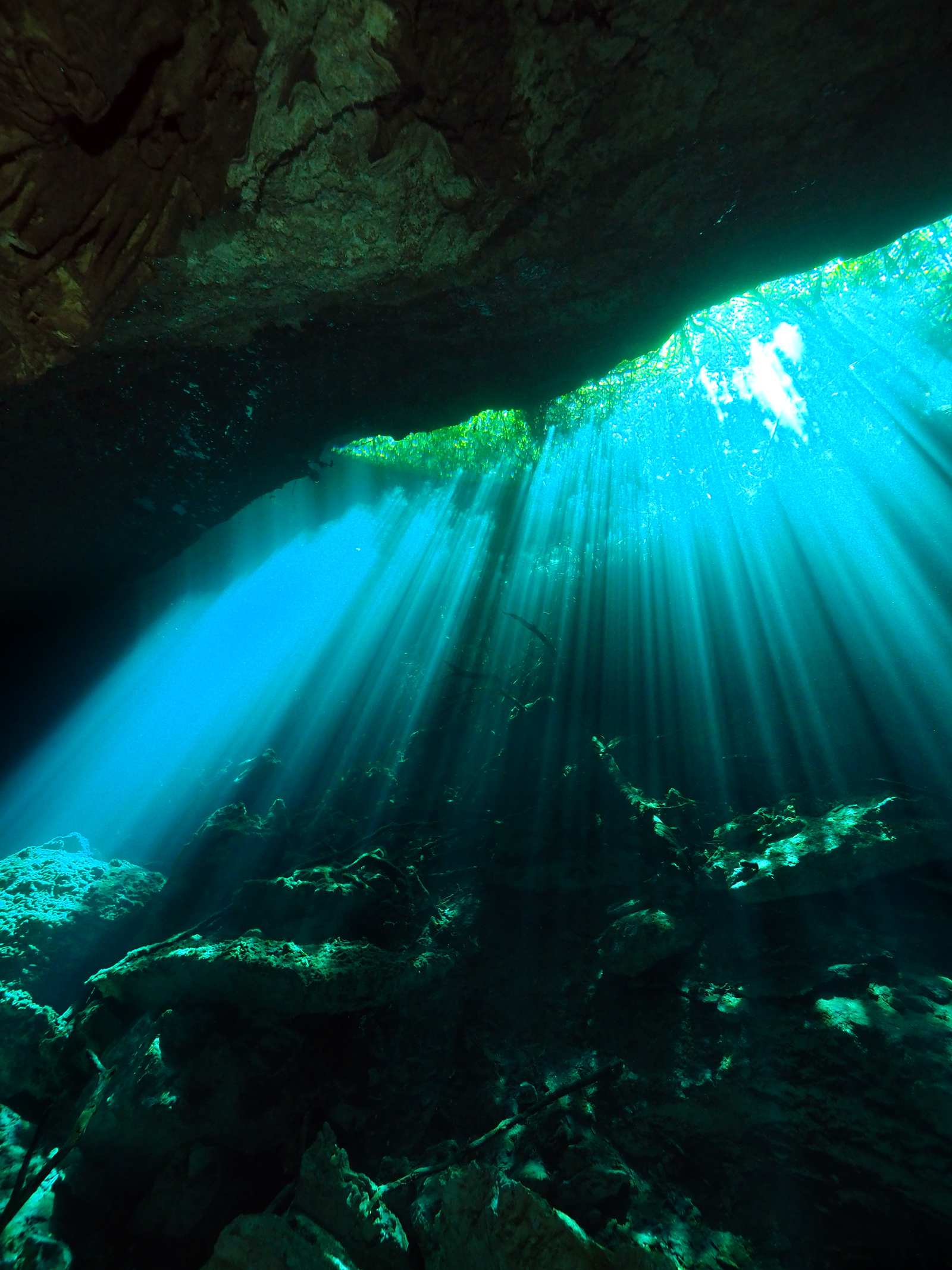 Underwater sunrays at the entrance