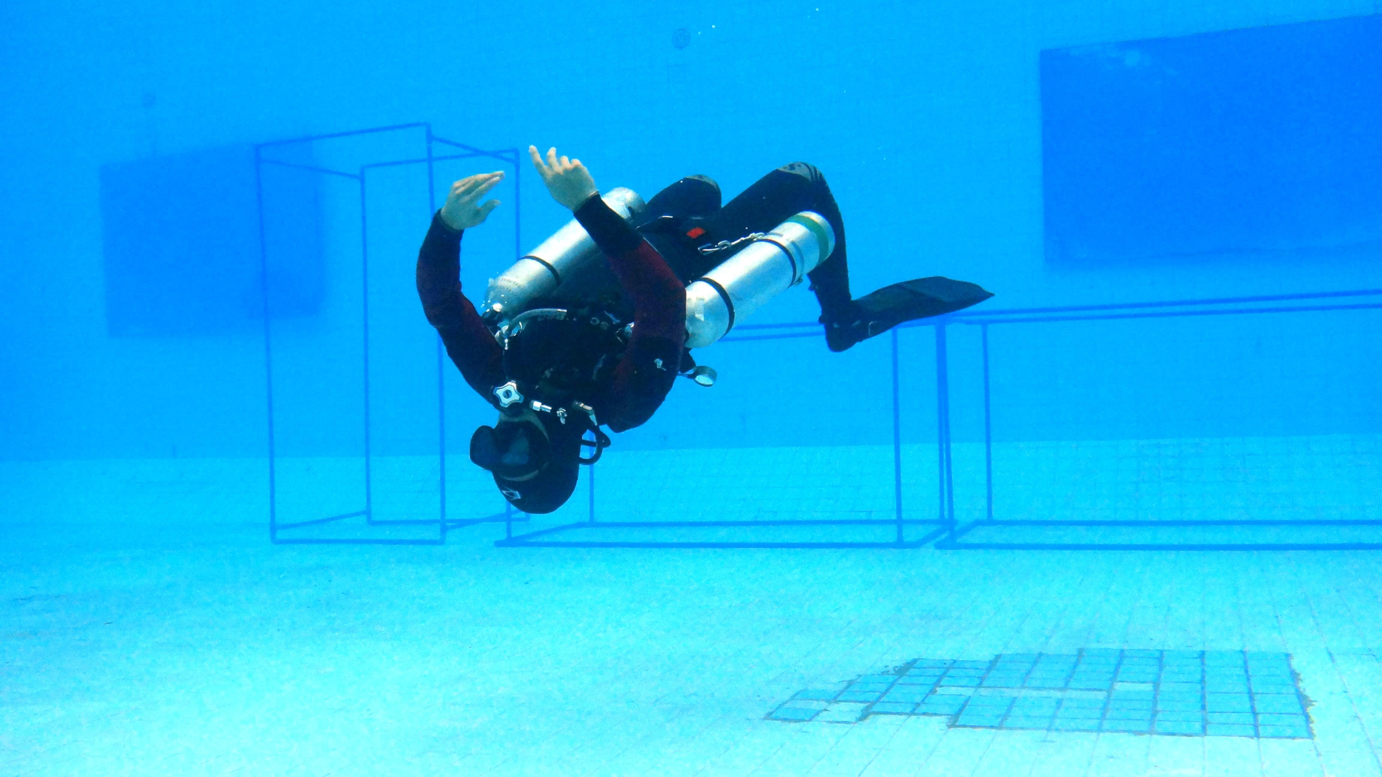 Sidemount dive training