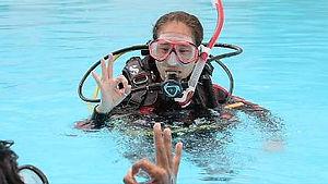 PADI 開放水域潛水員推薦 -  PADI Referral scuba course - Academics and pool sessions in Hong Kong
