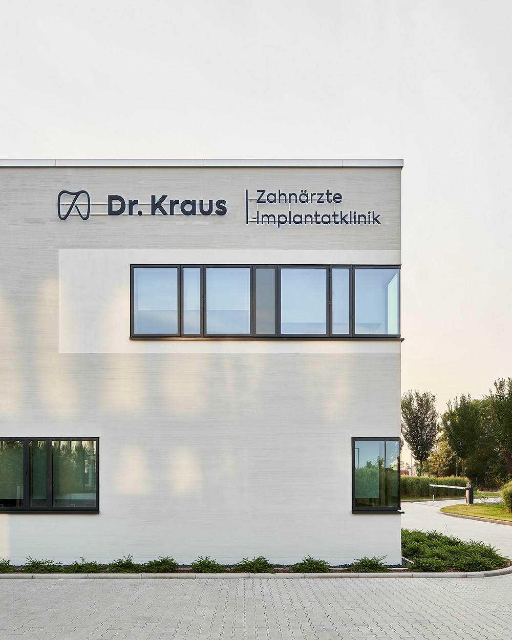 Architekturfotografie der Zahnklinik Dr. Kraus in Mainz.