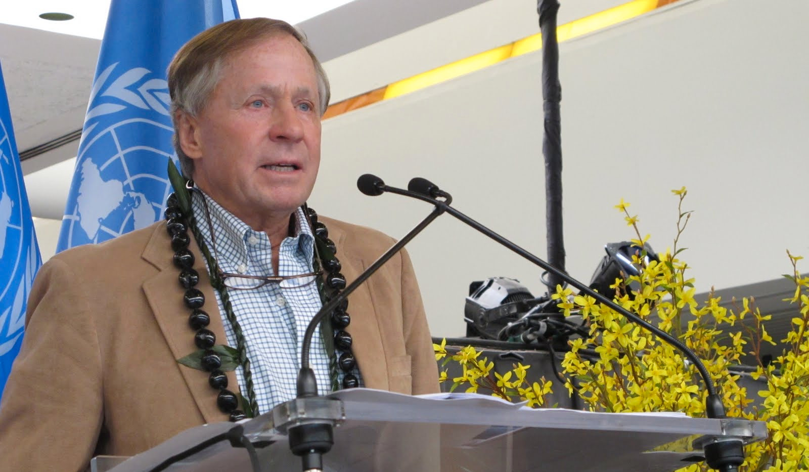Dr. Harry Huffaker 2011.JPG