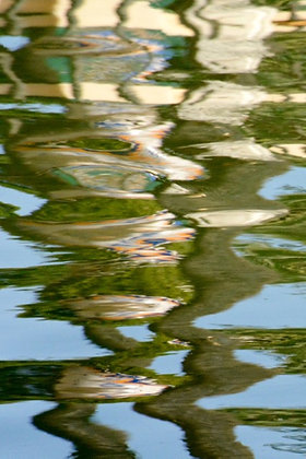 Plaza Espana Down, reflections on water