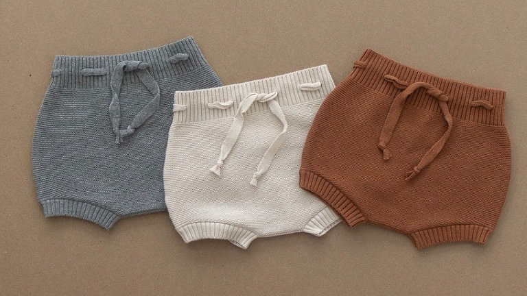 Knit bloomer shorts