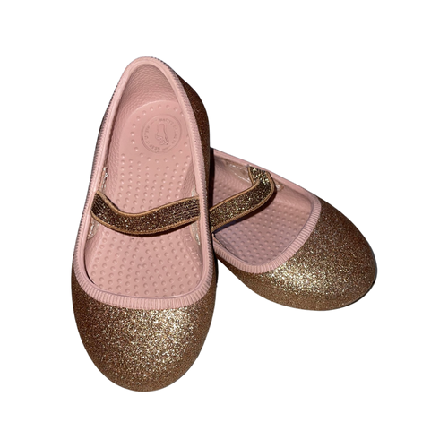 (Consignment) Native shoes flats sz 6