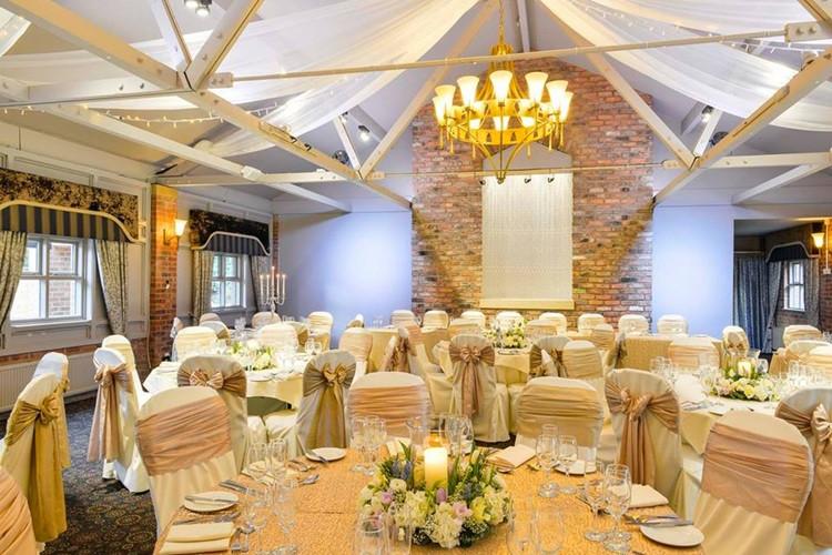 bartle-hall-hotel-weddings-12.jpg