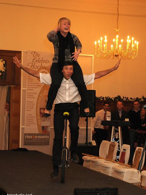 Showkellner Rudi / die Show