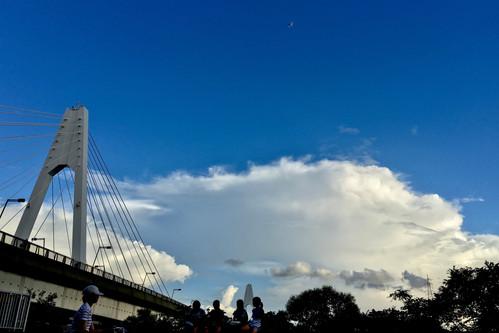 Girls and Daishi Bridge|Haneda|空の写真|Takako Kanawa|Shoichi Design|金輪 貴子
