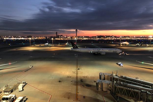 Early Morning|Sky Photo|Tokyo International Airport|Haneda|Tokyo|Japan|空の写真|東京国際空港|Takako Kanawa|Shoichi Design|金輪 貴子