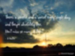 美しい空の写真とクォウト・タイポグラフィー