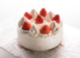 デイジイの美味しいパン_生クリームデコレーション