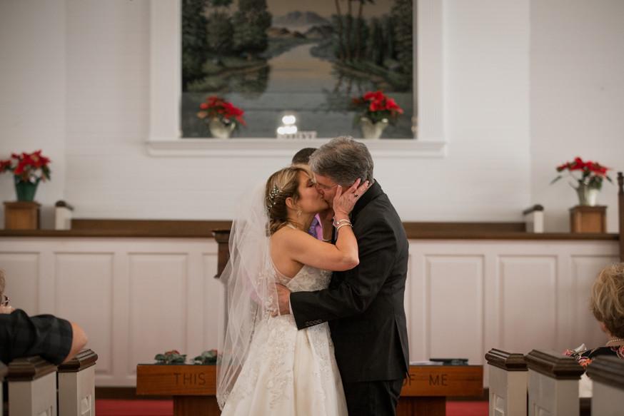 Della&Scott_Wedding_Previews-14.jpg