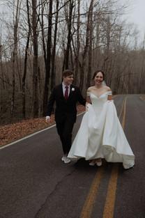 Souhteast Wedding. Wedding Couple Portraits. Atlanta-based Wedding Photographer.