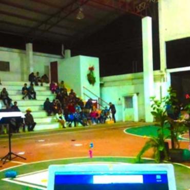 Instalación de las Plantas con sensores en el Auditorio, Zapotitlán de Méndez, Puebla