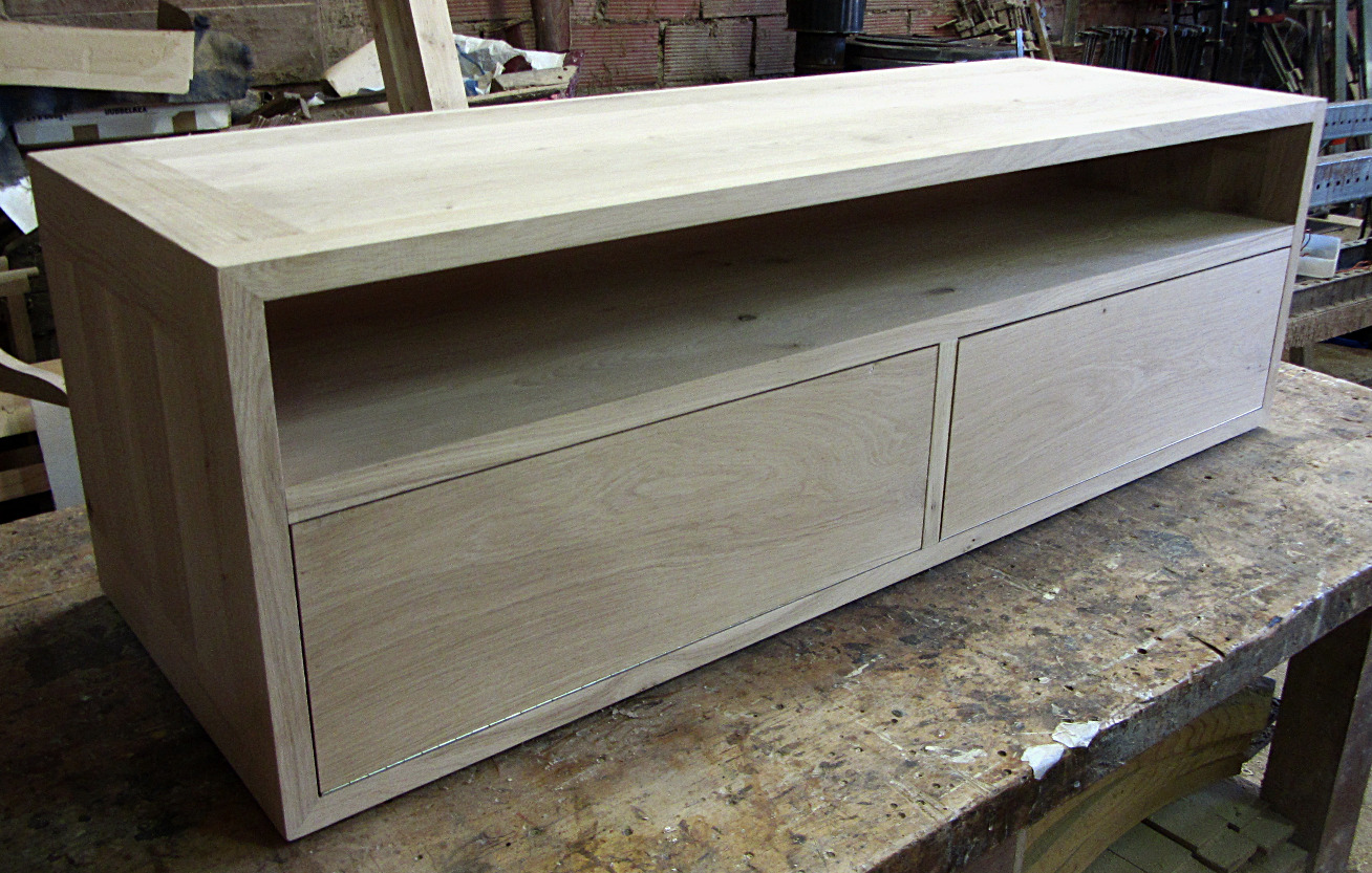 TV stand Solid oak Tv stand Two flap