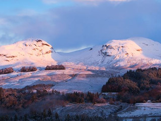 Dumgoyne & Dumfoyn, Winter Dawn